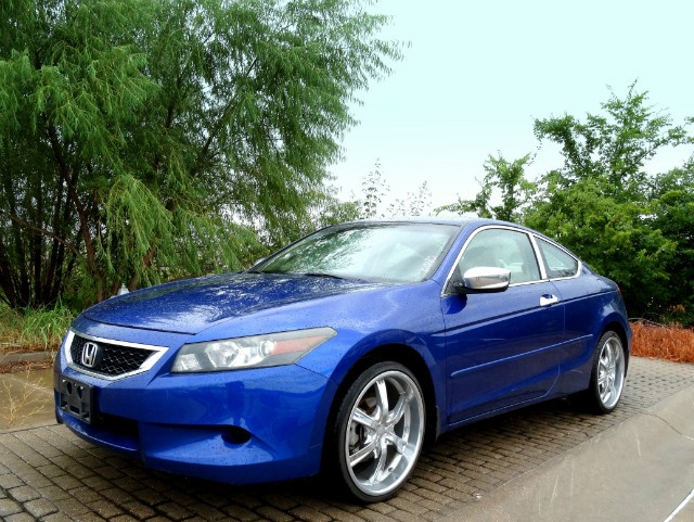 2010 Honda Accord Coupe LX-S; $695 DOWN**EZ FINANCE