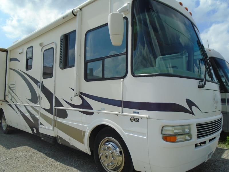 2005 National Rv DOLPHIN