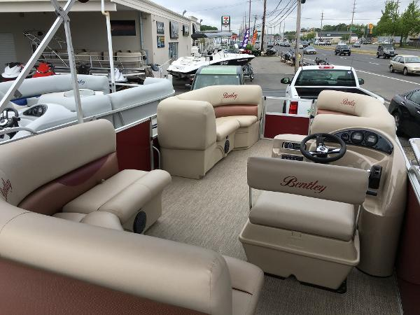 2016 Bentley Pontoons 220 Cruise RE