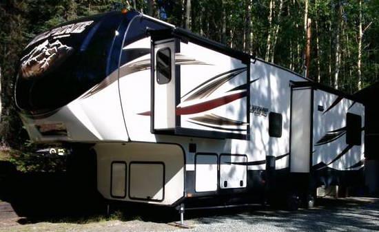 2016 Keystone Alpine 3011r