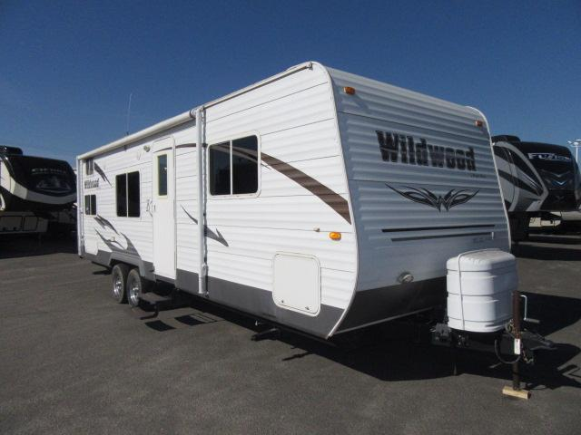 2011 Forest River Wildwood 27BH Front Walkaround Queen/