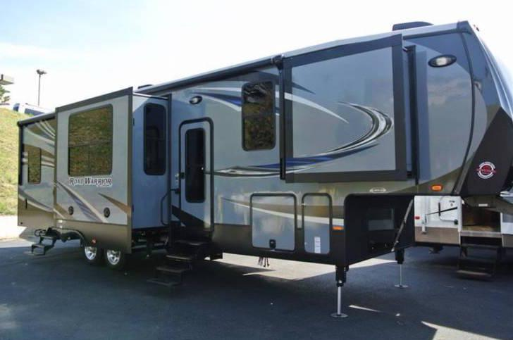 2016 Heartland Road Warrior 355