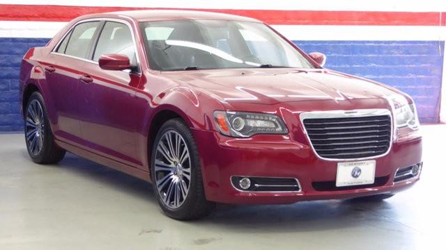 2013 Chrysler 300 4dr Sedan 300S RWD