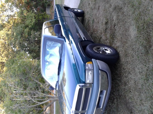 1999 Dodge 2500 Club Cab Pick Up