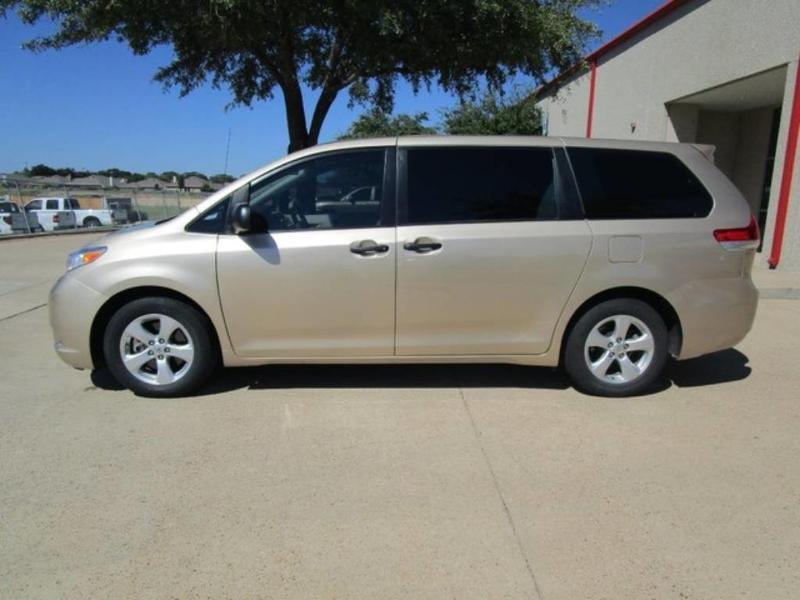 2014 Toyota Sienna L 7-Passenger