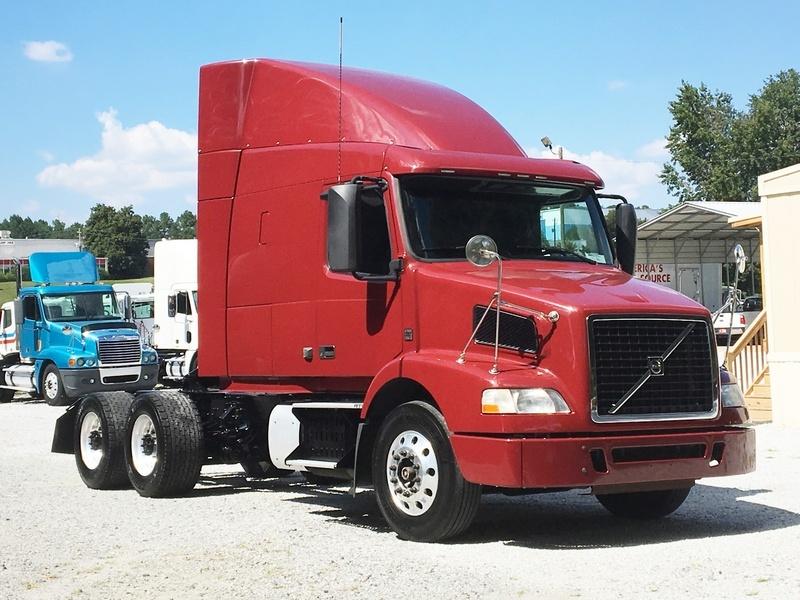 2012 Volvo Vnm64t630 Conventional - Sleeper Truck
