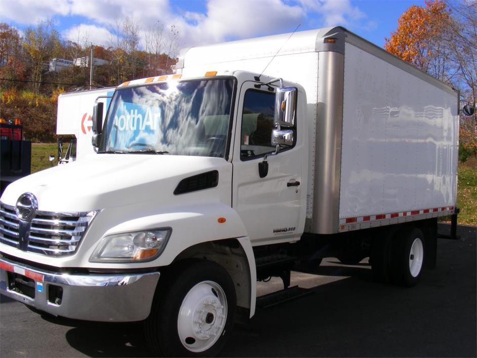 2011 Hino 268  Box Truck - Straight Truck