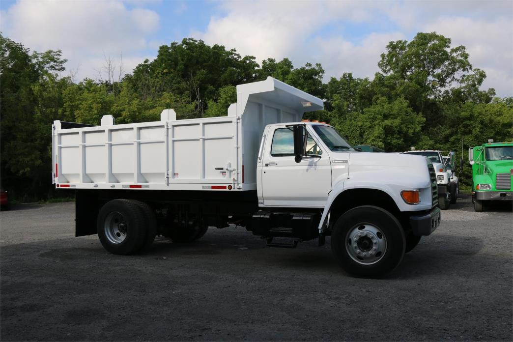 1995 Ford F800  Landscape Truck