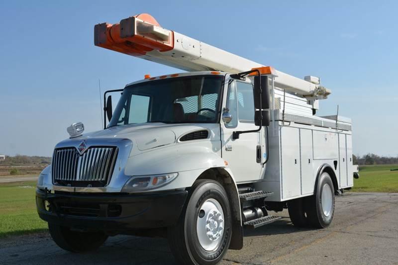 2006 International 4300 45ft Boom Truck  Utility Truck - Service Truck