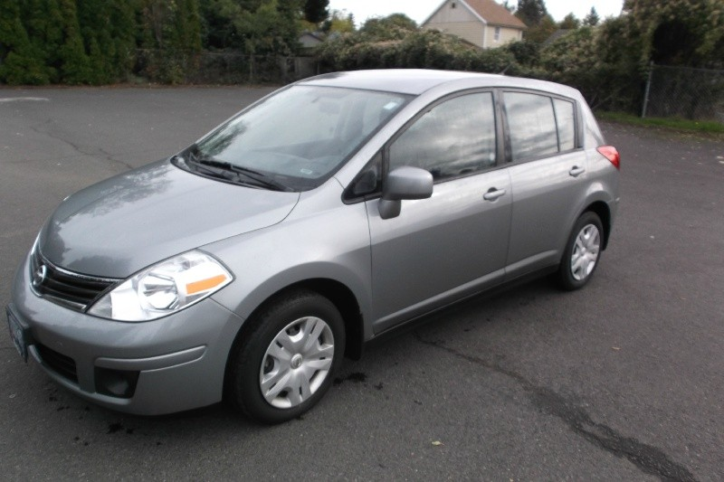 2011 Nissan Versa PRE INSPECTED Auto Great car Drives Perfect Clean Tile