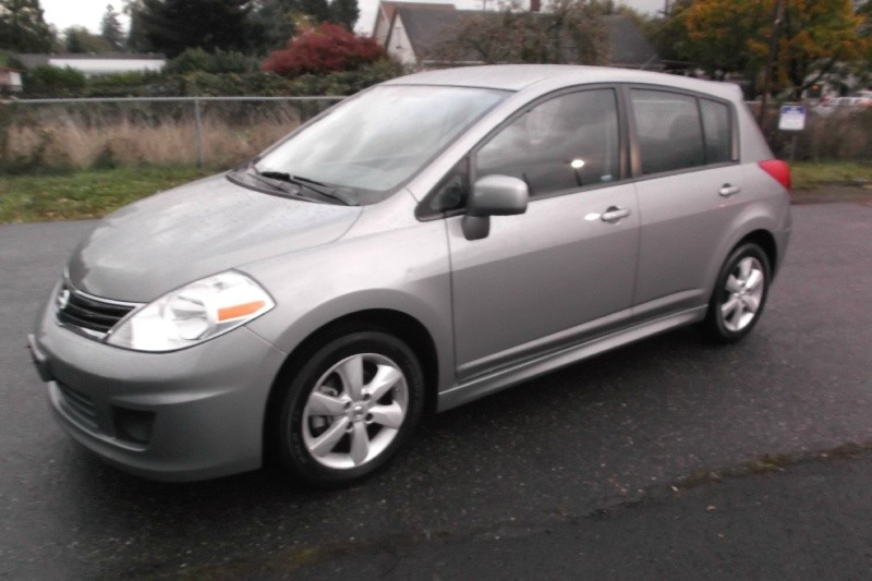 2012 Nissan Versa LOW MILES Auto Like new Drives Perfect Very Clean W/Clean Title