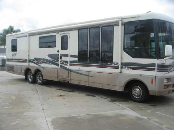 1998  Winnebago  Vectra Grand Tour 36WQ