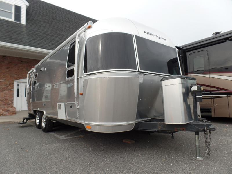 Excellent Airstream Flying Cloud 25fb Queen RVs For Sale