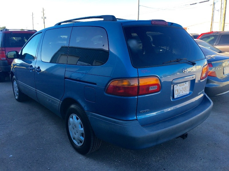 2000 Toyota Sienna LE *CARFAX 2 Owner *SERVICE RECORDS