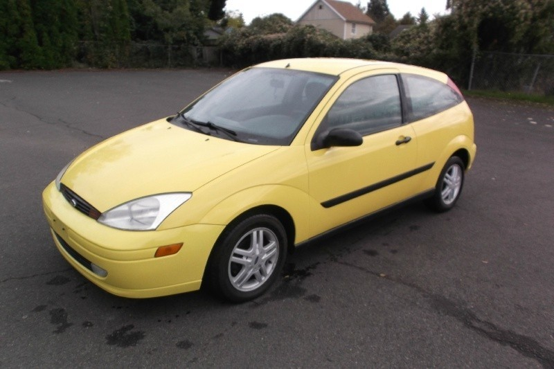 2001 Ford Focus ZX3 Dual Cam Engine nice clean car drives great clean title