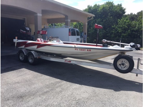 1999 Storm Bass Boat