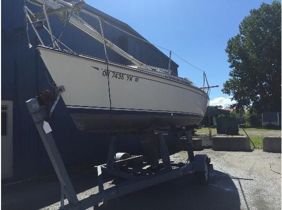 1985 Cal Yachts 22