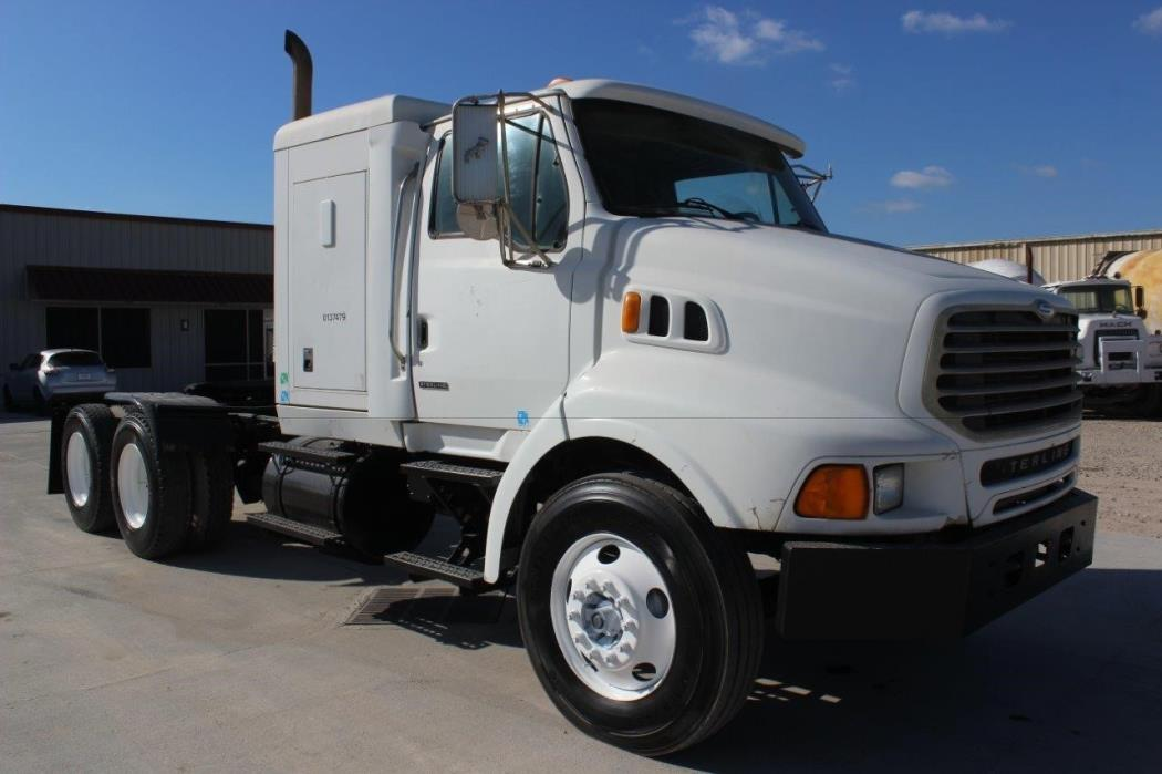 2001 Sterling L9500  Conventional - Sleeper Truck