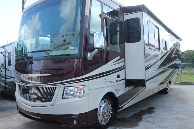 Newmar Canyon Star 3921