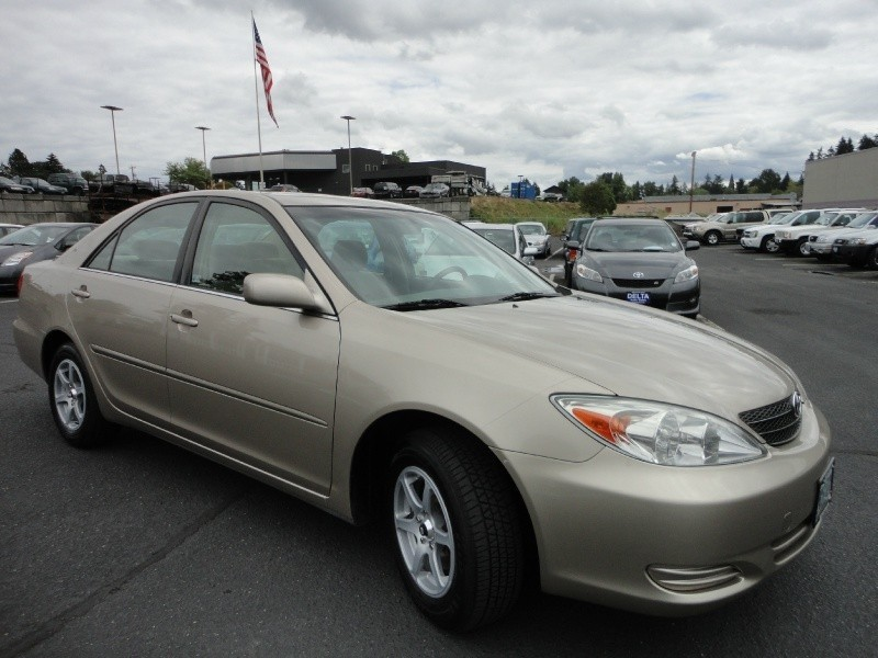 2003 Toyota Camry LE 123Kmiles, Great MPG!