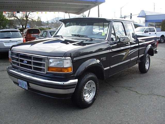 1994 Ford F-150 Supercab 139 WB 4WD