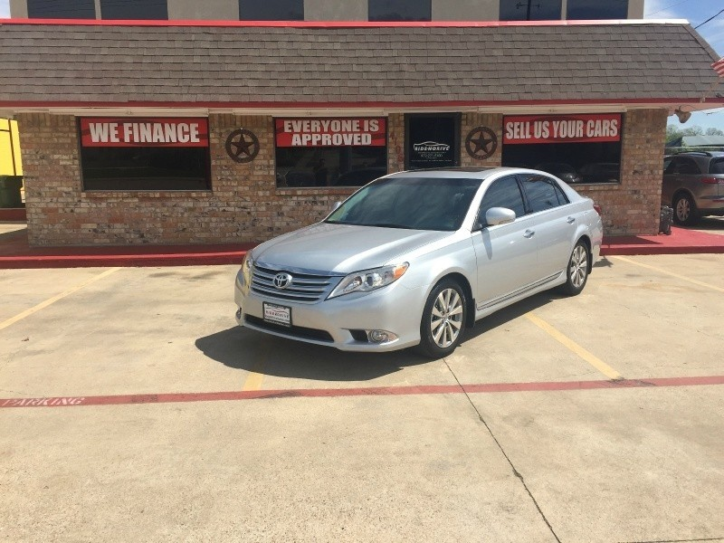 2011 Toyota Avalon Limited 4dr Sdn Limited