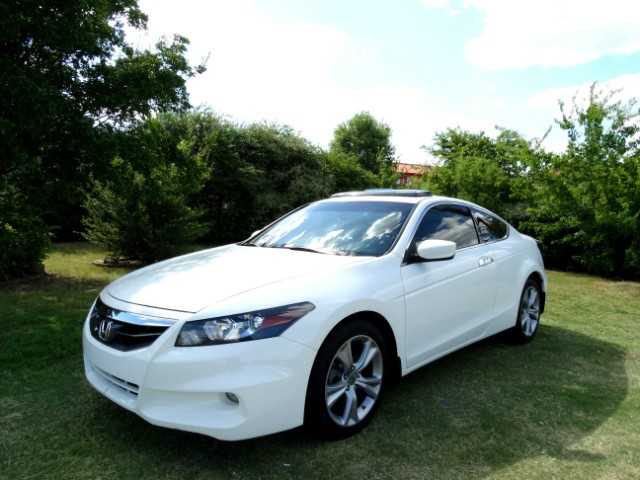 2012 Honda Accord Coupe EX-L; $895 Down** EZ Fin*