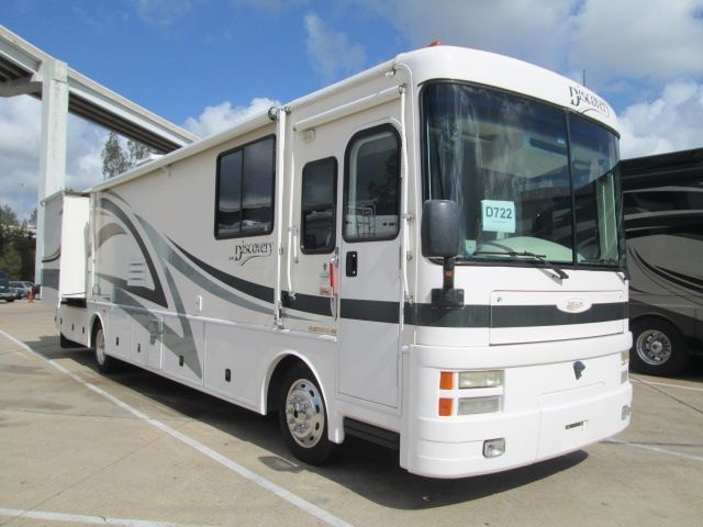 2001 Fleetwood Discovery 37V