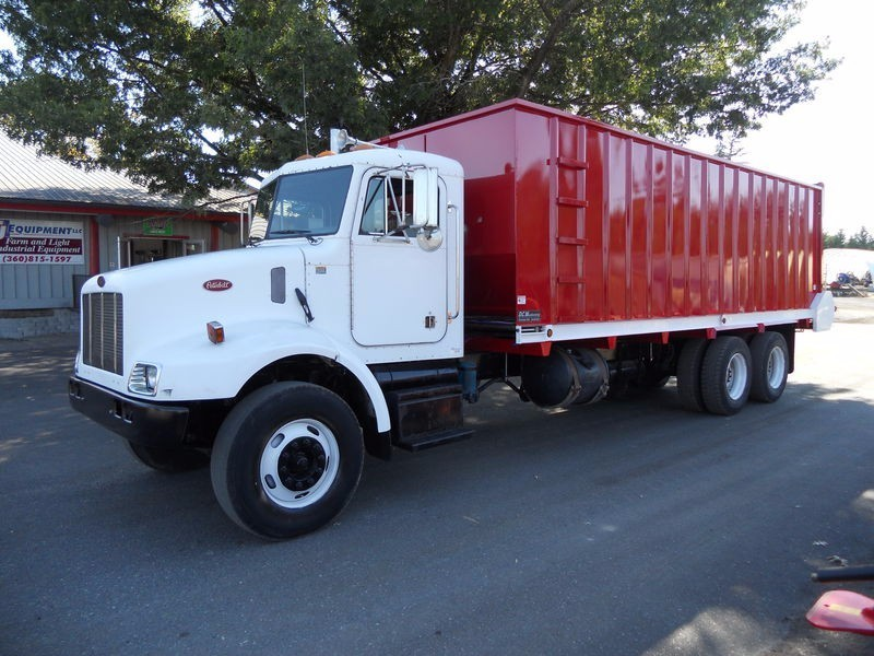 2001 Peterbilt 330 Conventional - Day Cab