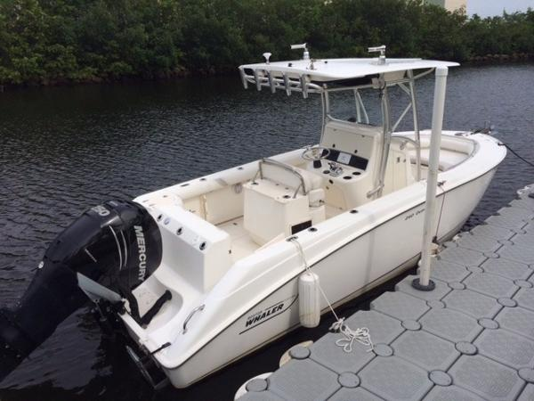 2008 Boston Whaler 24 Outrage