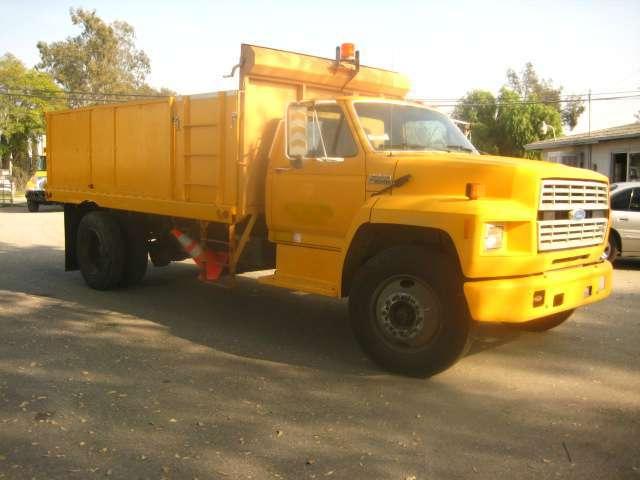 1991 Ford F700 Dump Truck