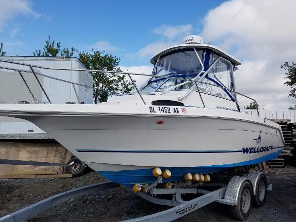 1997 Wellcraft 218 Coastal