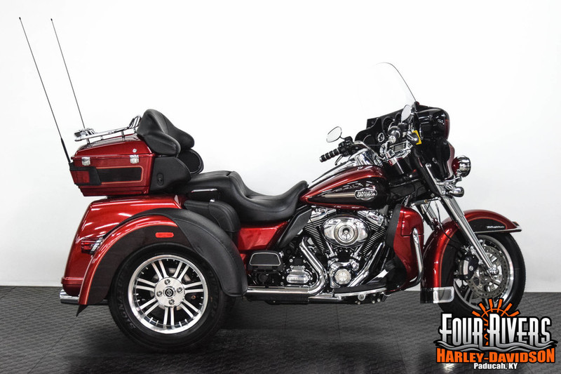 2005 Harley-Davidson FLHTCSE - Electra Glide CVO Screamin Eag