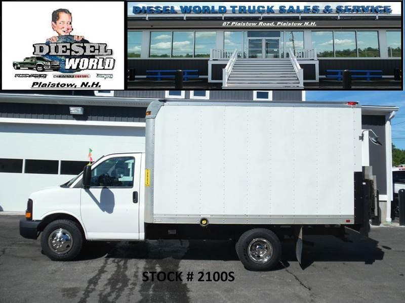 2011 Chevrolet Express 3500  Cutaway-Cube Van
