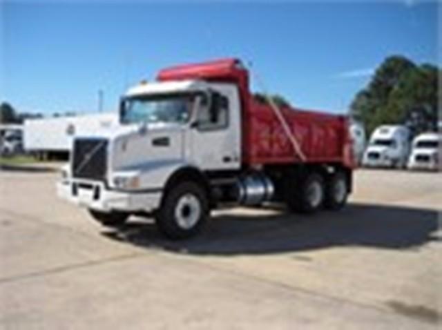 2017 Volvo Vhd64b200 Dump Truck