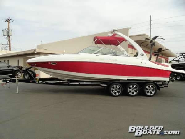 2007 Rinker 262 Captiva Cuddy