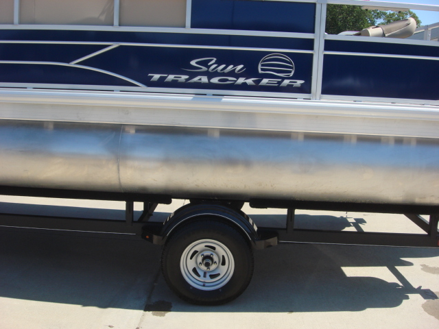 2017 Sun Tracker FISHING BARGE 20