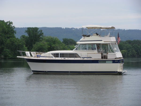 1984 Chris Craft1 410 Motor Yacht
