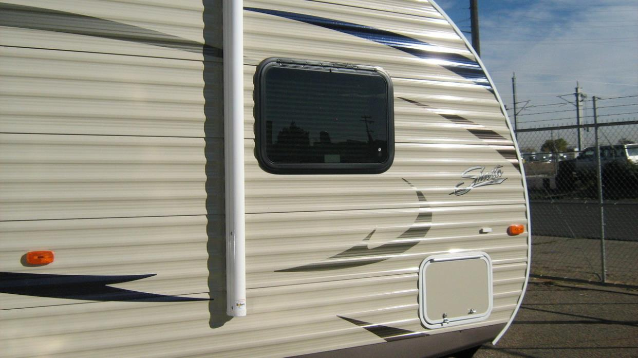 2017 Shasta OASIS 25RS