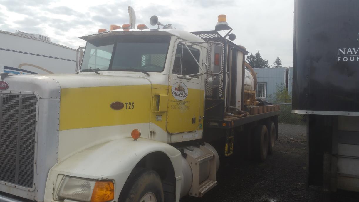 1991 Peterbilt 375 Flatbed Truck