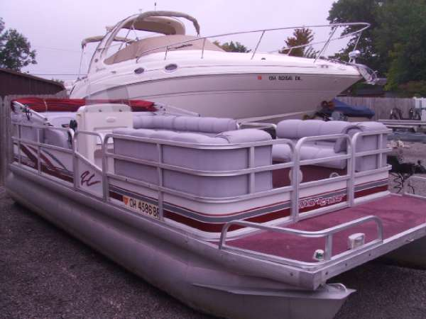 1994 RIVIERA CRUISER 20' PONTOON