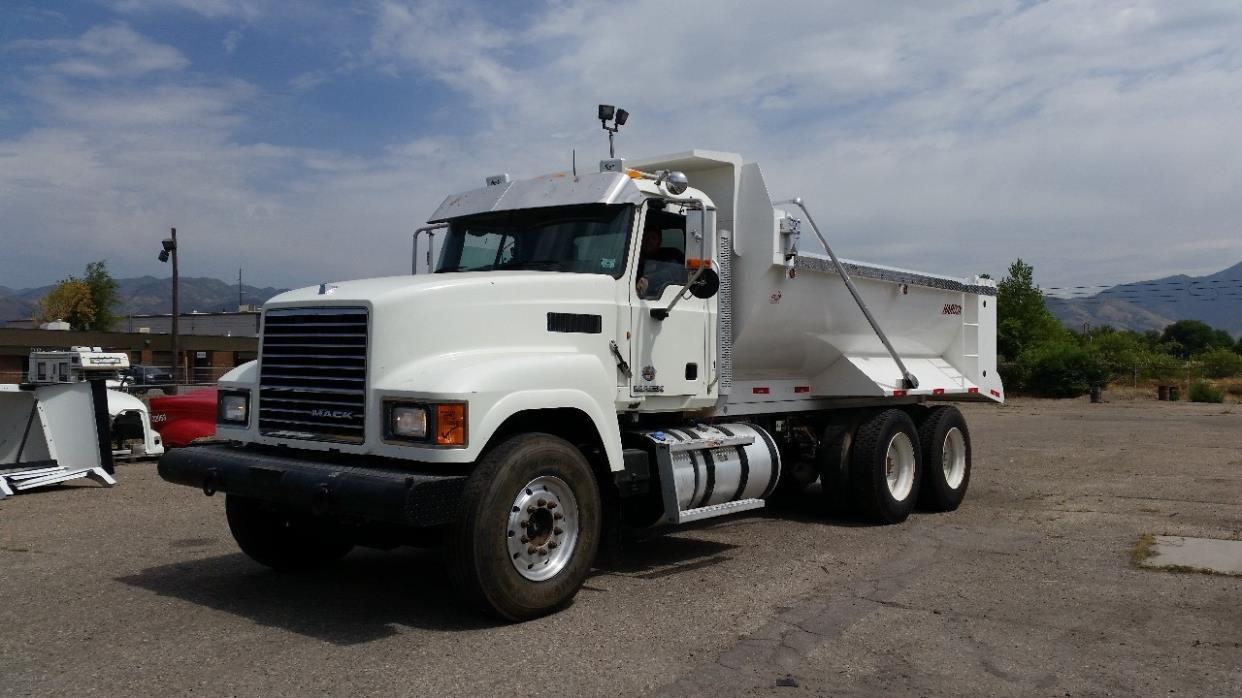 2012 Mack Pinnacle Dump Truck