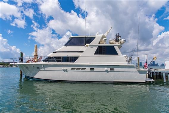 Hatteras motor yacht boats for sale in miami beach florida for Motor yachts for sale in florida