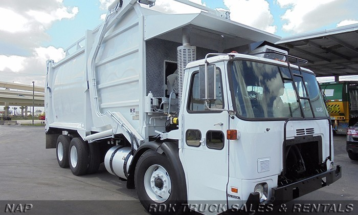 2009 Autocar Wxll64 Garbage Truck
