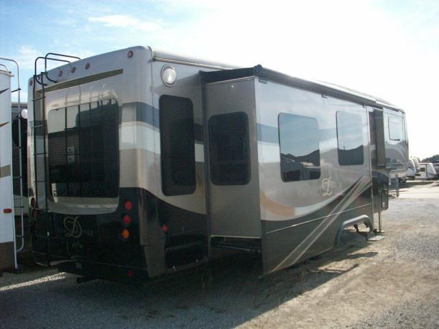DRV SUITES Mobile Suites 38RSSB3