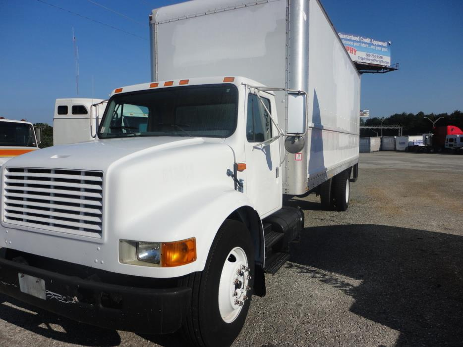 2000 International 4000 Box Truck - Straight Truck