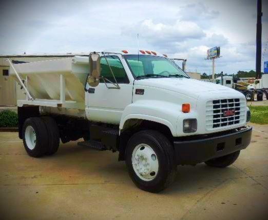 2002 Gmc C7500  Plow Truck - Spreader Truck
