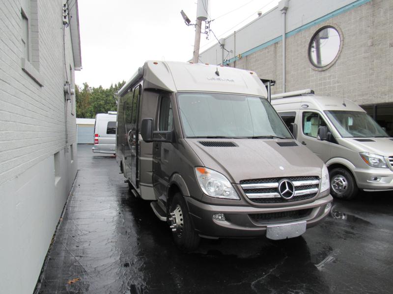 2014 Leisure Travel Vans Unity U24MB