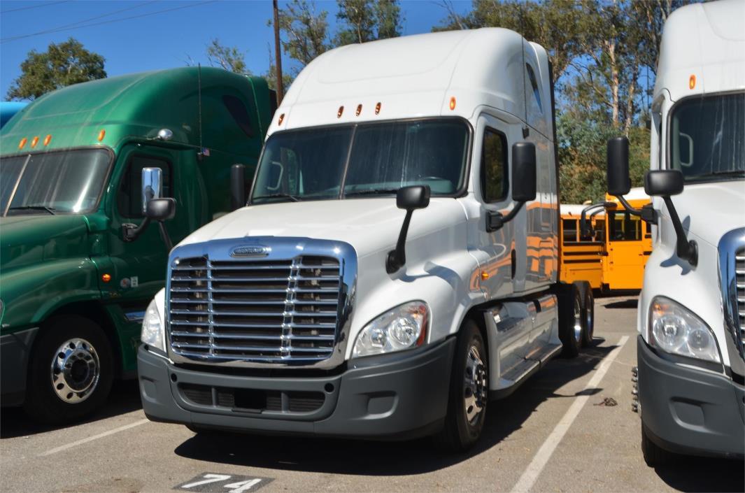 2011 Freightliner Cascadia 125 Fuel Truck - Lube Truck