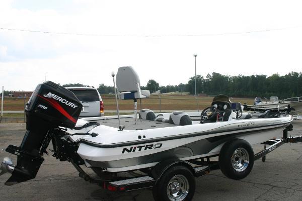 2007 Nitro NX882